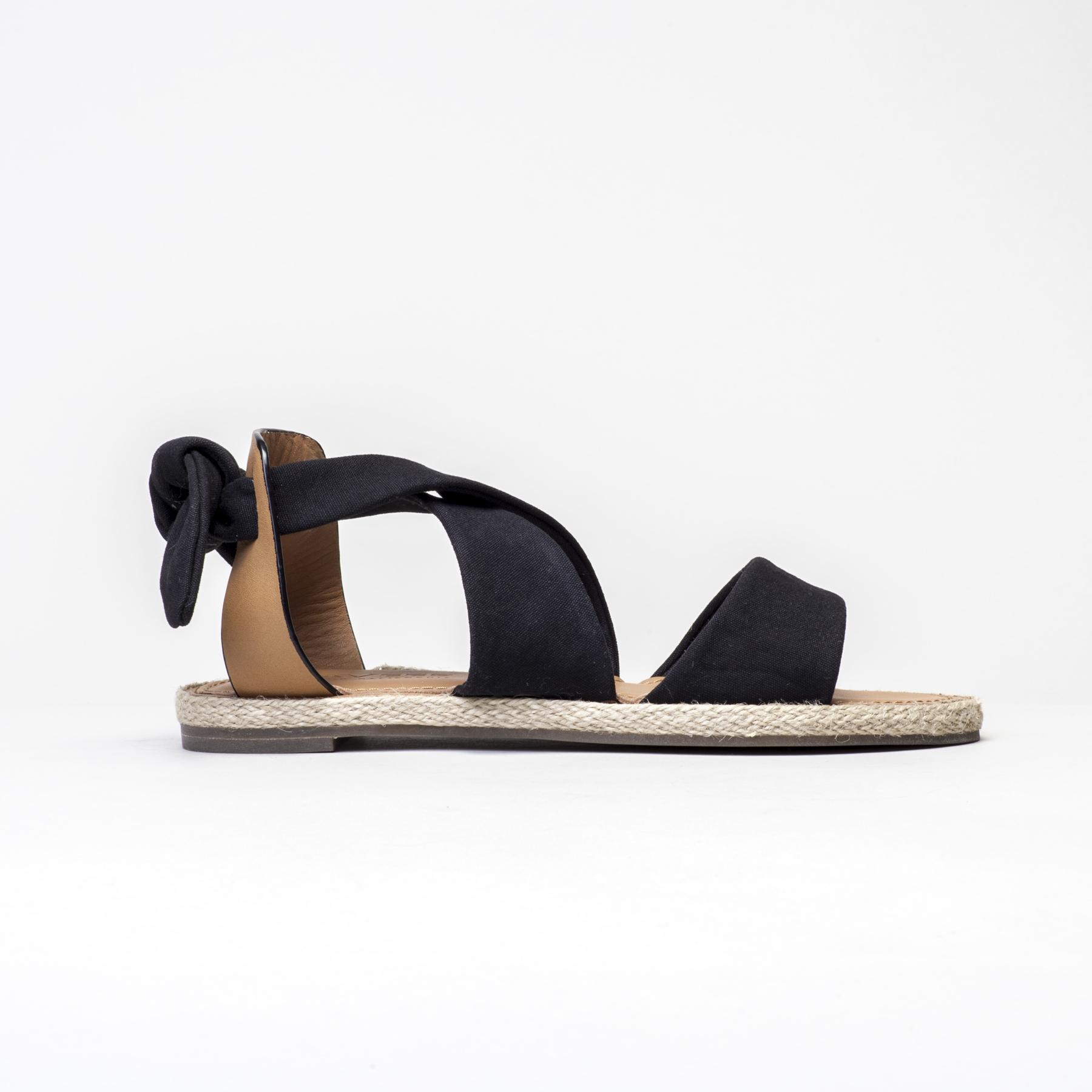 2016 Seavees Womens Bayside Sandal in Black